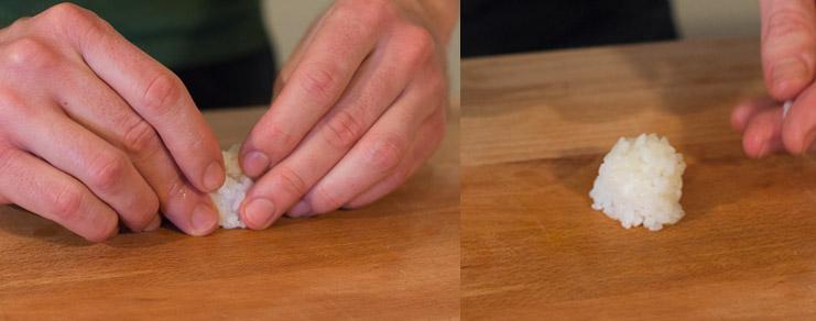 La mise en forme du riz en cercle pour la recette du maki aux oeufs de truite
